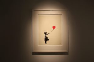 Banksy Madrid Girl with balloon Urvanity